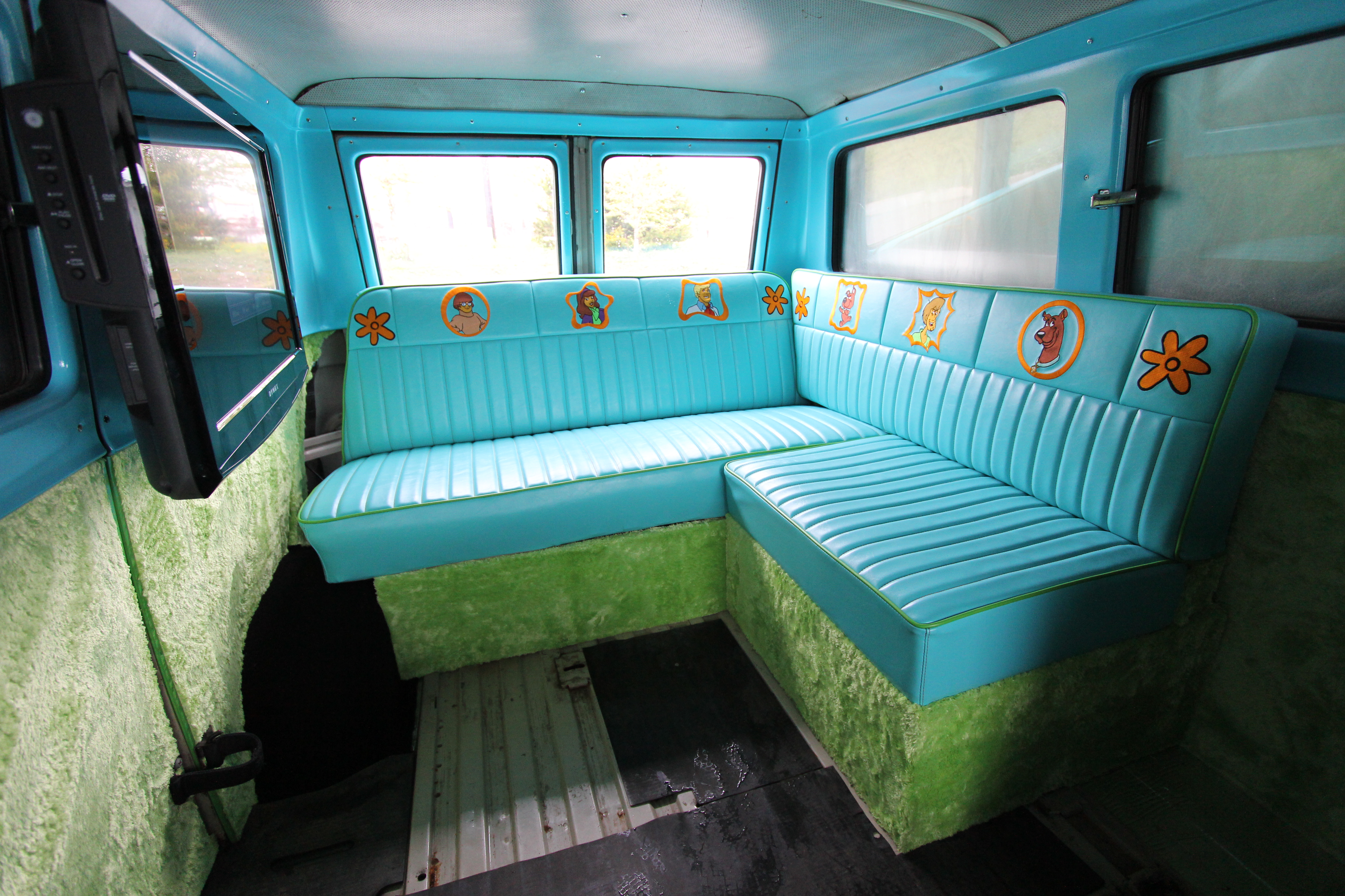 mystery machine interior