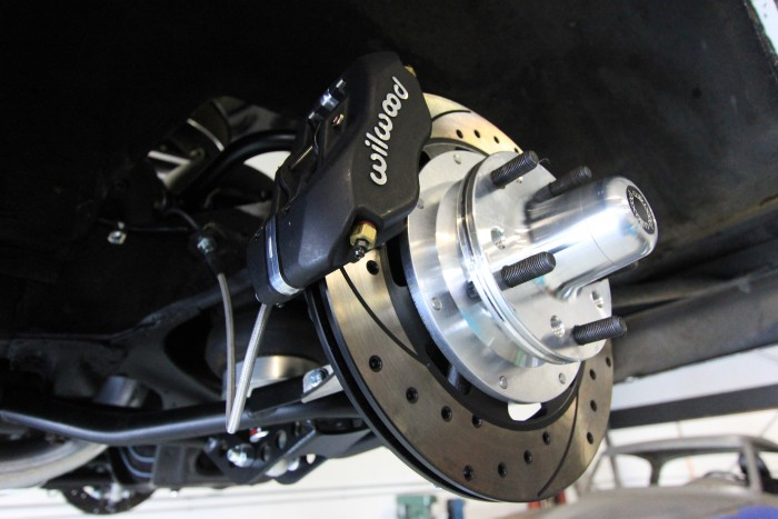 Wilwood Dynalite front disc brakes